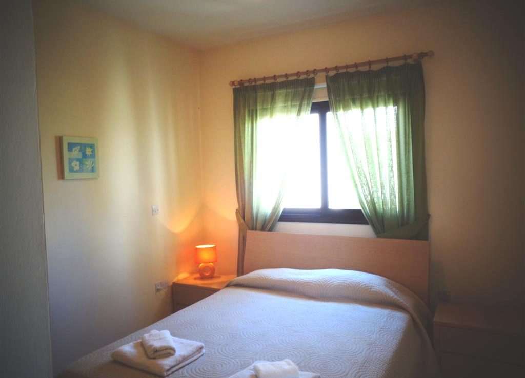 Double bedroom middle floor (Large)